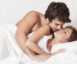 pareja-en-la-cama